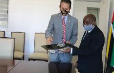 Chance delivering samples of the firts 2000 mask to the Vice Minister of MGCAS, Lucas Mangrasse